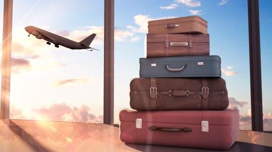 maletas-con-avion-de-fondo-15.jpg