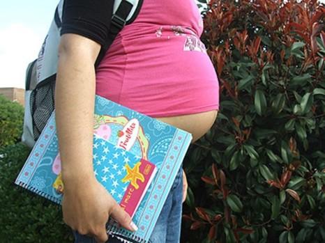 29229_un_embarazo_en_la_adolescencia_trae_complicaciones_anadidas_para_ella_y_para_toda_la_familia_.jpg