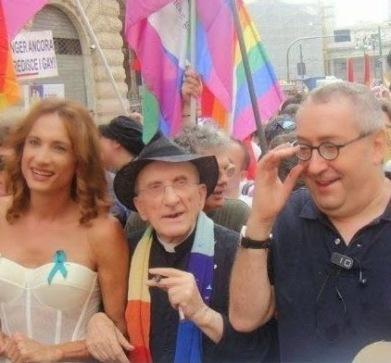 Don Gallo en la marcha orgullo gay, con luxuria Genova 2009