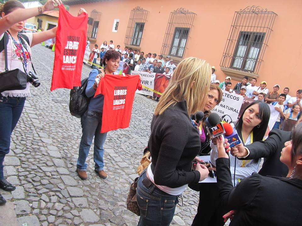 manifestaciones provida fuera de la 43asambleaOEA.jpg