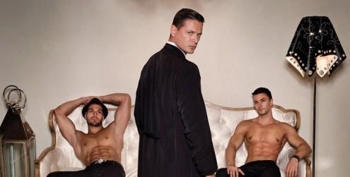 Este-calendario-de-sacerdotes-desnudos-ha-levantado-gran-polémica-a-pesar-de-su-noble-acción-portada